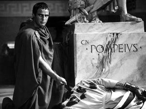 Jules Cesar JULIUS CAESAR by Joseph Mankiewicz with Marlon Brando, 1953 (b/w photo)