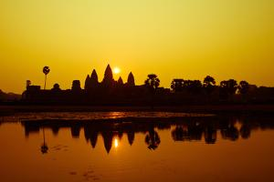 Sunrise at Angkor Wat, UNESCO World Heritage Site, Siem Reap, Cambodia, Indochina, Southeast Asia, by Julian Bound