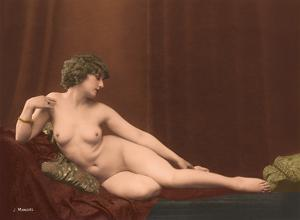 Reclining Nude II - Classic Vintage French Nude - Hand-Colored Tinted Art by Julian Mandel