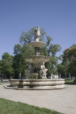 Deak Ferenc Ter Park with Centrepiece Fountain, Budapest, Hungary, Europe by Julian Pottage