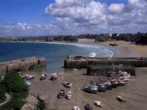 Harbour at Low Tide with Town Beach Beyond, Newquay, Cornwall, England, United Kingdom by Julian Pottage