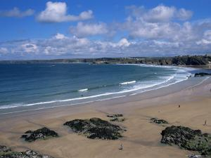 The Main Beach, Newquay, Cornwall, England, United Kingdom by Julian Pottage