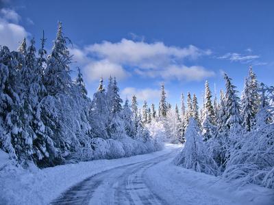 USA, Washington State, Cle Elum, Kittitas County. Colorful winter landscape of rural town.