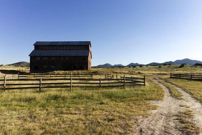 Barn in a rural landscape, Santa Fe, New Mexico, Usa.