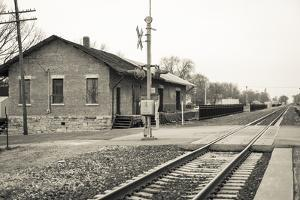Train Station, Lincoln, Illinois, USA. Route 66 by Julien McRoberts