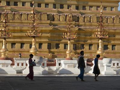 Visitors to the Buddhist Temples of Bagan, Myanmar (Burma) by Julio Etchart