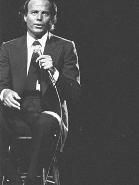 Julio Iglesias on Stage