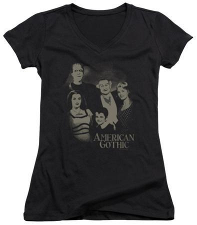Juniors: The Munsters - American Gothic V-Neck
