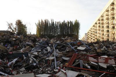 https://imgc.allpostersimages.com/img/posters/junkyard-montrouge-hauts-de-seine-france_u-L-Q1GYGKY0.jpg?artPerspective=n