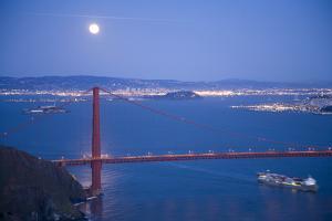 Scenic of Golden Gate Bridge, Golden Gate National Recreation Area, San Francisco, California by Justin Bailie