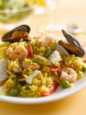 Paella with Mussels and Shrimps by Kai Schwabe