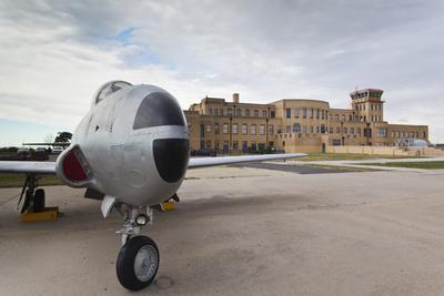 https://imgc.allpostersimages.com/img/posters/kansas-aviation-museum-with-t-33-usaf-trainer-wichita-kansas-usa_u-L-PN6RFW0.jpg?p=0