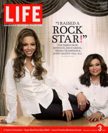 Portrait of Pop Music Star Beyonce and Mother Tina Knowles at Home, February 3, 2006