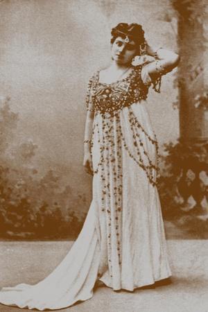 Yelizaveta Polozova as Mariya Oskolskaya