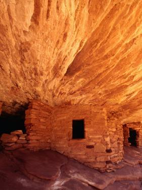 Ancestral Puebloan Cliff Dwellings at House on Fire Ruin in Mule Canyon, Cedar Mesa by Karl Lehmann