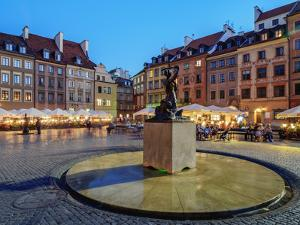 Old Town Market Place and the Warsaw Mermaid at twilight, Warsaw, Masovian Voivodeship, Poland, Eur by Karol Kozlowski