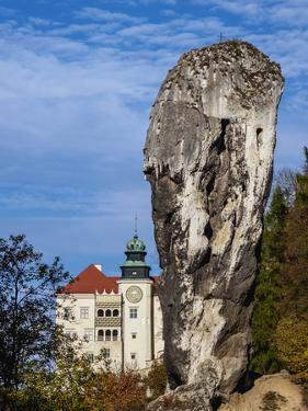 Pieskowa Skala Castle and Hercules Bludgeon, Trail of the Eagles' Nests, Poland by Karol Kozlowski