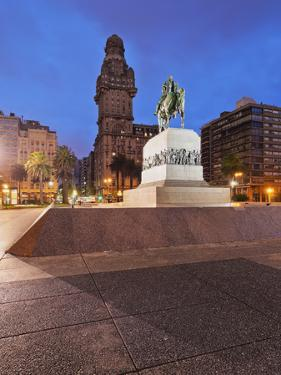 Twilight view of Independence Square, Montevideo, Uruguay, South America by Karol Kozlowski
