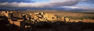 https://imgc.allpostersimages.com/img/posters/kasbah-bathed-in-storm-light-nkob-morocco-north-africa-africa_u-L-P2QTDT0.jpg?artPerspective=n