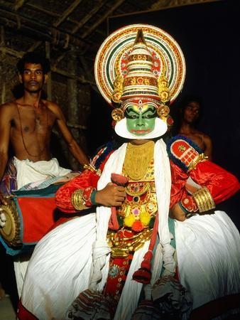 https://imgc.allpostersimages.com/img/posters/kathakali-the-classical-dance-drama-of-kerala-region-in-trivandrum-kerala-india_u-L-PQ2KNA0.jpg?p=0