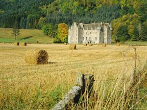 Castle Menzies/Weem, Perthshire, Scotland by Kathy Collins