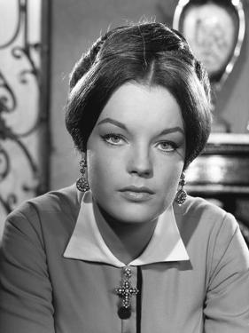 KATIA, 1959 directed by ROBERT SIODMAK Romy Schneider (b/w photo)