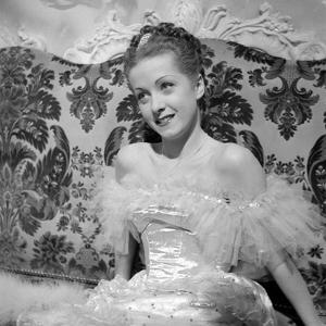 Katia by Maurice Tourneur, based on a novel by Lucile Decaux, with Danielle Darrieux, 1938 (b/w pho