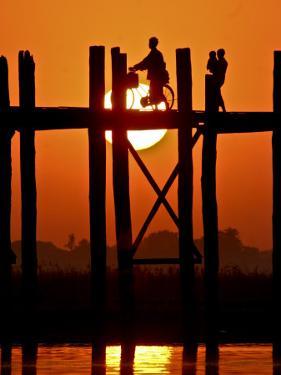 Myanmar, Burma, Amarapura, Taungthaman Lake, U Bein's Bridge by Katie Garrod