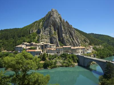 Sisteron, Provence, Provence-Alpes-Cote D'Azur, France by Katja Kreder