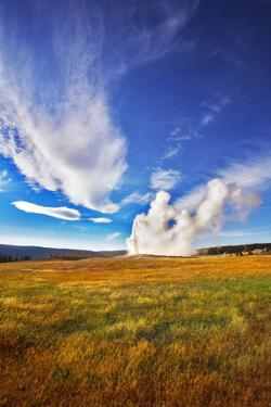The Most Well-Known of the World Geyser in Yellowstone National Park - Old Faithful. by kavram