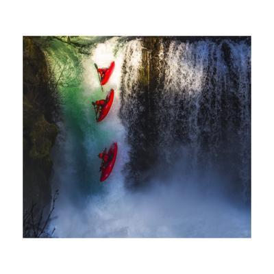 https://imgc.allpostersimages.com/img/posters/kayaker-on-spirit-falls_u-L-Q1CAPGF0.jpg?artPerspective=n