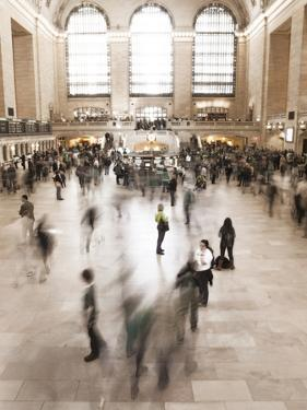 The Terminal of Grand Central Station by Keith Barraclough