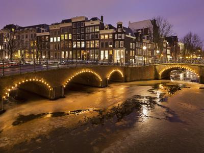 https://imgc.allpostersimages.com/img/posters/keizergracht-icebound-amsterdam-the-netherlands_u-L-Q11YTCA0.jpg?p=0