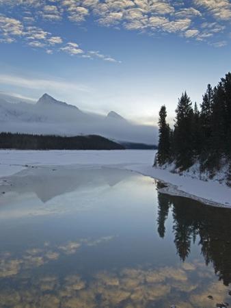 Maligne Lake, at First Light Near Jasper, Alberta, Canada. by kelly funk