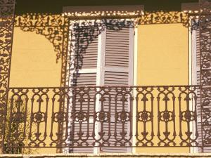 Iron Lace Balcony, New Orleans, Louisiana, USA by Ken Gillham