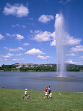 Captain Cook Memorial Fountain, Canberra, Australia by Ken Wilson