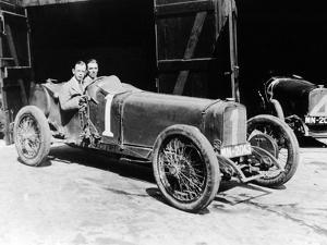 Kenelm Lee Guinness and Perkins with an 8 Cylinder Sunbeam, 1922