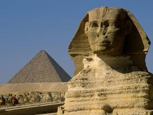 The Sphinx with 4th Dynasty Pharaoh Menkaure's Pyramid, Giza, Egypt by Kenneth Garrett