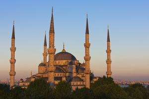 Blue Mosque at sunset, Istanbul, Turkey by Keren Su