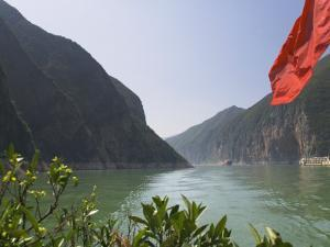 China, Yangtze River, Three Gorges, Kuimen, Entrance to the Qutang Gorge by Keren Su