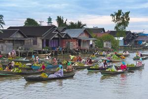 Lok Baintan Floating Market, Banjarmasin, Kalimantan, Indonesia by Keren Su