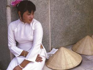 Vietnamese Girl in Traditional Dress, Vietnam by Keren Su