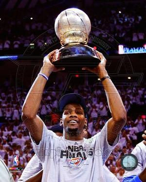 Kevin Durant with the 2012 NBA Western Conference Finals Champions trophy Game Six