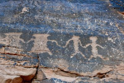 USA, Nevada. Valley of Fire State Park, Human petroglyphs by Kevin Oke