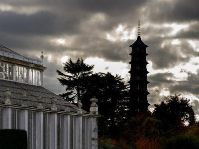 https://imgc.allpostersimages.com/img/posters/kew-pagoda-sky_u-L-Q1AVEHZ0.jpg?p=0