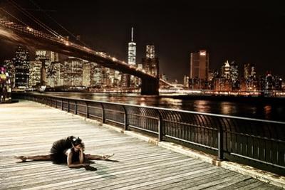 A Classic Ballerina Dances in Brooklyn Bridge Park by Kike Calvo