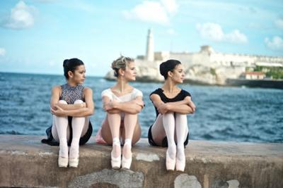 Classical Ballerinas from the Cuba National Ballet at the Malecon