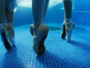 Underwater Photo of a National Ballet of Panama Dancers by Kike Calvo