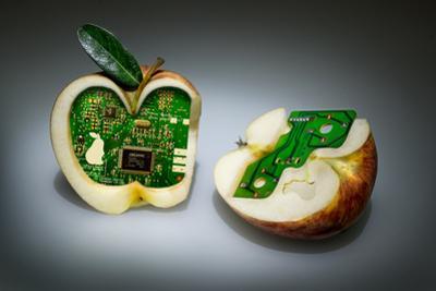 Apple Core by Kikroune