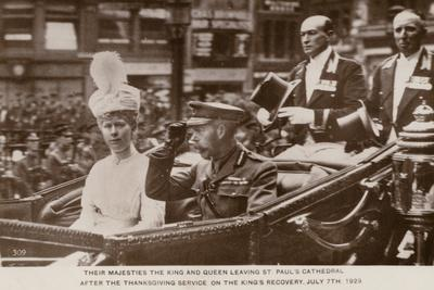 https://imgc.allpostersimages.com/img/posters/king-george-v-and-queen-mary-leaving-st-paul-s-cathedral-london-7-july-1929_u-L-PRBZ1A0.jpg?p=0